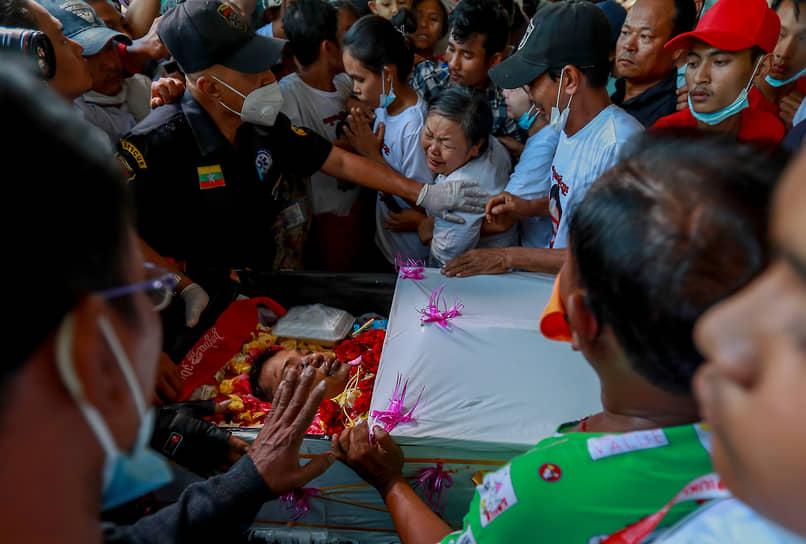 ООН сообщила о гибели минимум 107 человек на протестах 27 марта