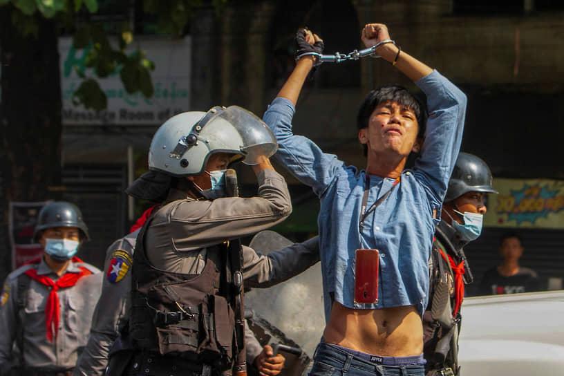 Главными центрами протестной активности стали столица страны Нейпьидо, а также крупнейшие города Янгон и Мандалай