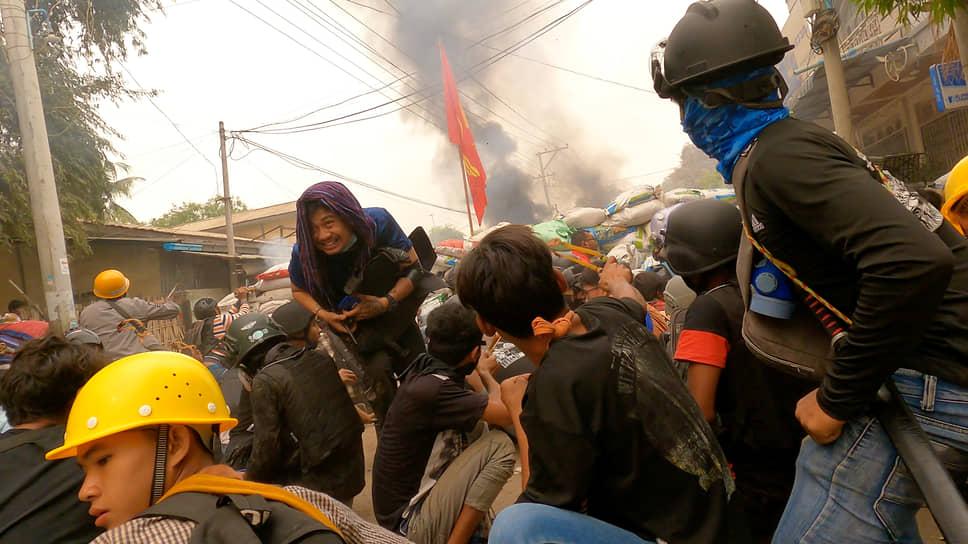 Моунъюа, Мьянма. Акция против военного переворота