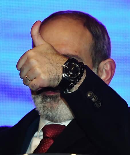 1 марта. Ереван, Армения. Премьер-министр республики Никол Пашинян во время митинга в его поддержку