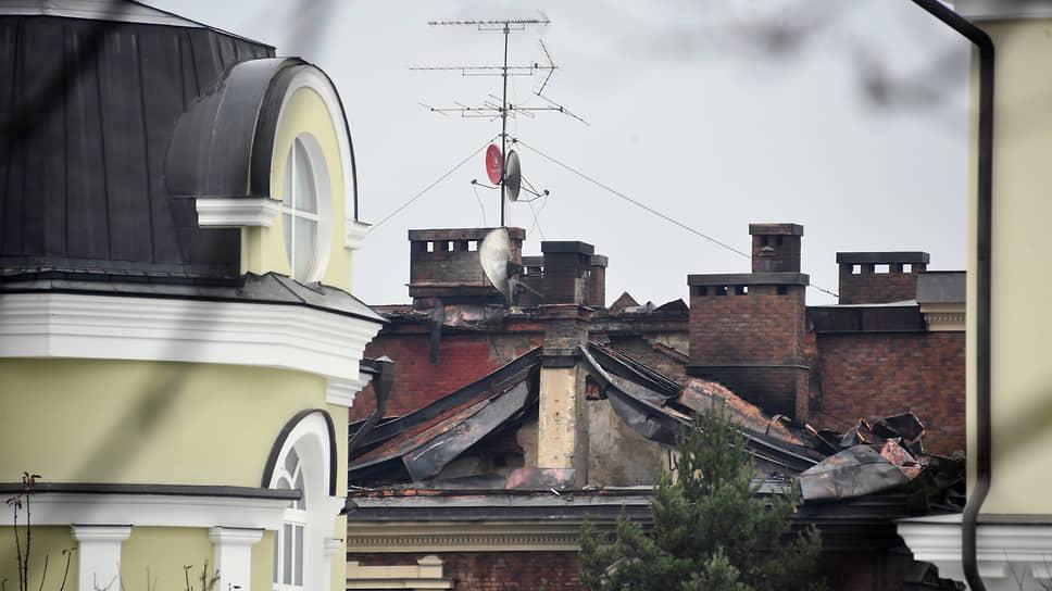 Сгоревший коттедж, в котором забаррикадировался Владимир Барданов