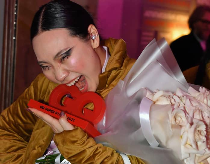 Актриса и режиссер Ян Гэ во время церемонии вручения ежегодной премии GQ Super Women в театре «Школа современной пьесы»