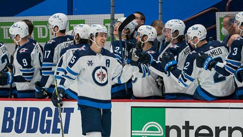 Коронавирус уполовинил Ванкувер // В НХЛ зафиксирована самая крупная вспышка в сезоне