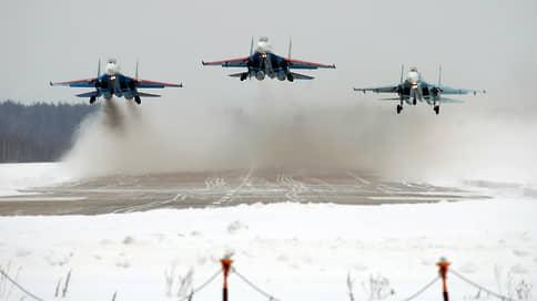 Короли высшего пилотажа / Яркие кадры выступления авиагруппы «Русские витязи»