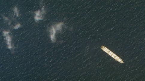 С иранцами сыграли в морской бой  / В атаке на их судно в Красном море подозревают Израиль