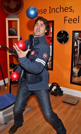 Французский термин «жонглер» произошел от латинского слова «joculator» — шутник, забавник, остряк<br> На фото: член Палаты общин Канады Джастин Трюдо, 2011 год