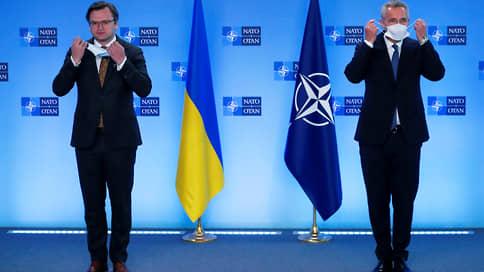 Североатлантический нюанс  / В НАТО готовы помочь Украине всем, кроме членства