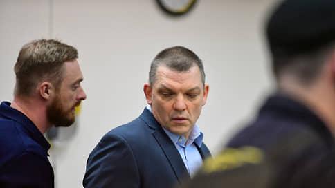Меньшевика не взять так просто // Оправданного присяжными не смогли сразу арестовать