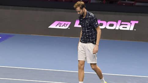 Даниил Медведев сел на больничный // Теннисист заразился коронавирусом на турнире в Монте-Карло
