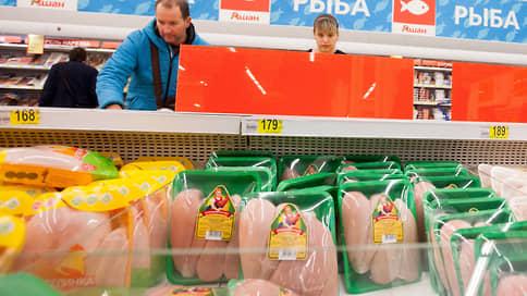 Курицу привязывают к полке  / Правительство может зафиксировать цены на мясо птицы