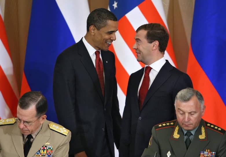 В 2009 году в должность президента США вступил Барак Обама. Его первая встреча с Медведевым произошла 1 апреля того же года в резиденции посла США в Великобритании. Встреча проходила под лозунгом «перезагрузки» — курса первой администрации Обамы, направленного на нормализацию американо-российских отношений. По итогам встречи был подписан пакет документов по вопросам противоракетной обороны, дальнейшему сокращению стратегических наступательных вооружений, а уже через год был заключен договор СНВ-3