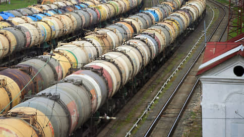 Бензину ограничивают вывоз // Экспорт может быть временно приостановлен ради стабилизации цен на топливо