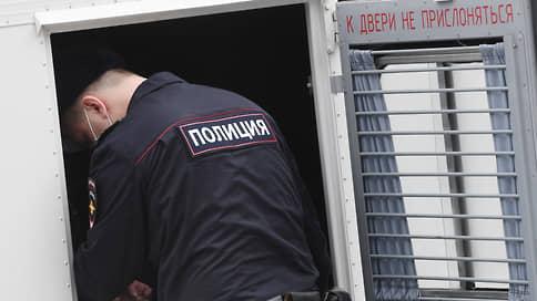 Енота не отпускают из СИЗО // Экс-сотруднику ФСБ продлили срок содержания под стражей в восьмой раз