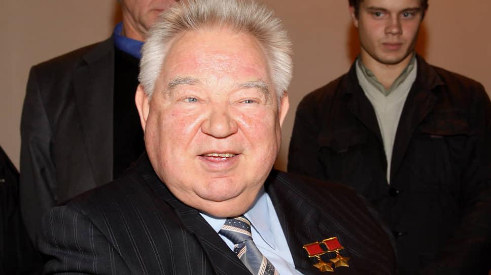 Трижды побывавший в космосе дважды Герой Советского Союза космонавт Георгий Гречко обладал прекрасным чувством юмора, которое не всегда понимали уфологи