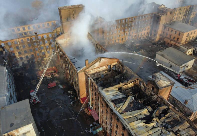 Санкт-Петербург, Россия. Последствия пожара в здании «Невской мануфактуры»