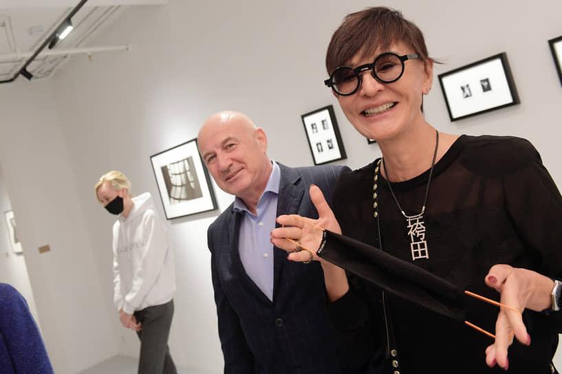 Совладелец и старший партнер Garber Hannam Partners (GHP) Марк Гарбер и Ирина Хакамада во время церемонии открытия нового пространства Фонда современного искусства Ruarts