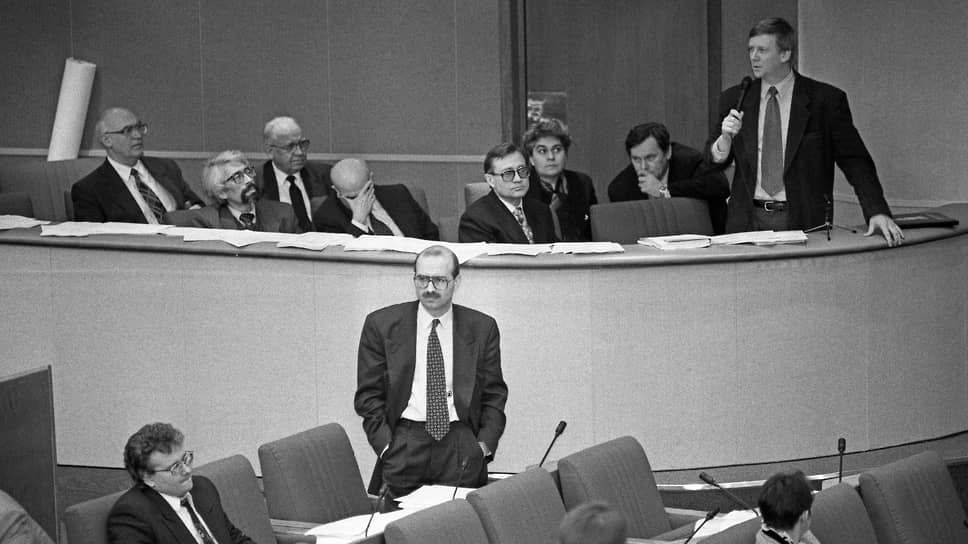 Отчет правительства в парламенте. Депутат Задорнов, кажется, в очередной раз не согласен с членом правительства Чубайсом