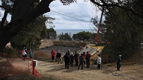 Застройщика Форосского парка попросили убраться // Строителям дали неделю на очистку территории