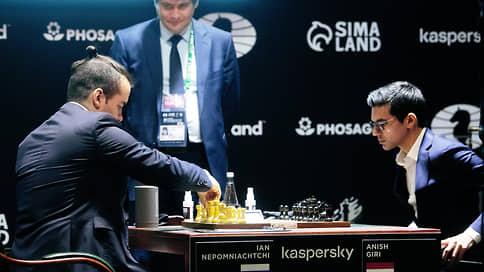 Ян Непомнящий нашел свою половинку  / Российский гроссмейстер захватил лидерство в кандидатском турнире