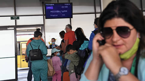 Тьма египетская не рассеивается // Обещание возобновить чартеры на курорты не воодушевило рынок