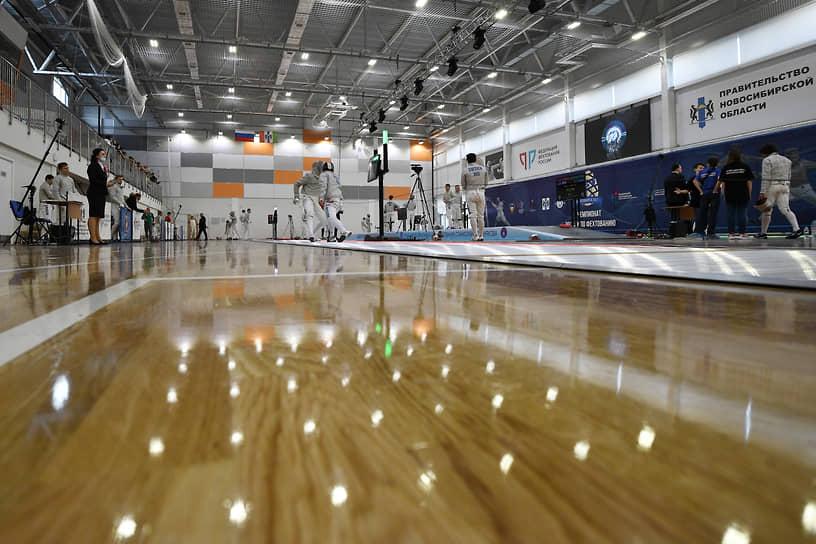 Соревнования впервые проходили в новом Сибирском региональном центре фехтования, который был построен полностью за счет личных средств предпринимателя Алишера Усманова