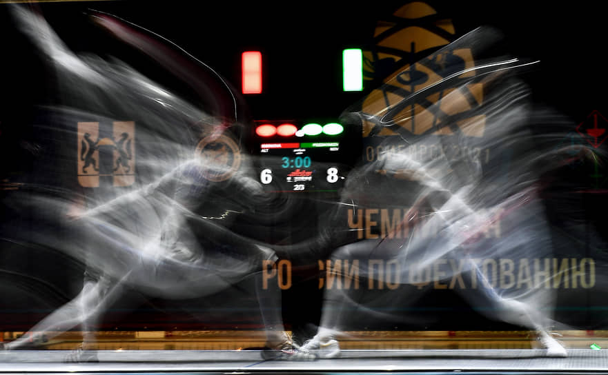 Спортсмены во время поединка на чемпионате России