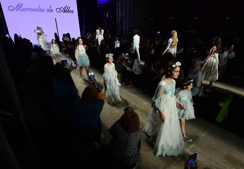 Показ коллекции бренда Mercedes De Alba