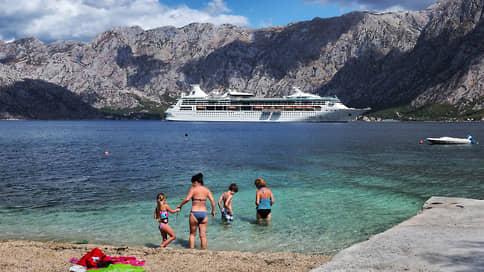 Черногория открылась для россиян  / Но без прямых авиарейсов наплыва туристов не будет