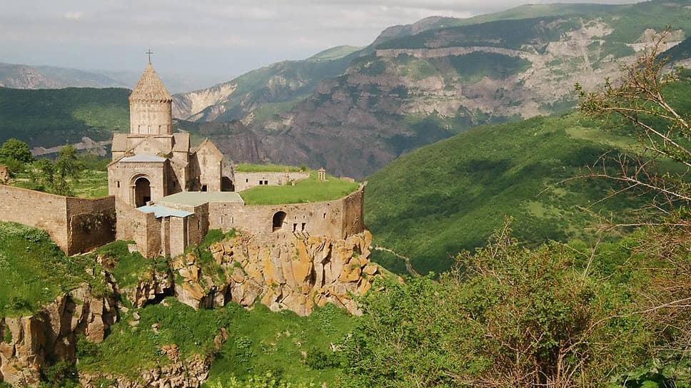 Татевский монастырь в Сюникской области Армении