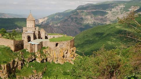 Армения и Азербайджан начали Сюнико-Зангезурскую операцию  / Южная армянская область стала волновать закавказские республики не меньше Карабаха