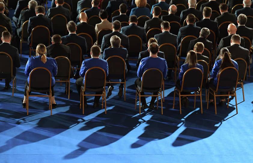 Участники ежегодного послания президента России Владимира Путина к Федеральному собранию
