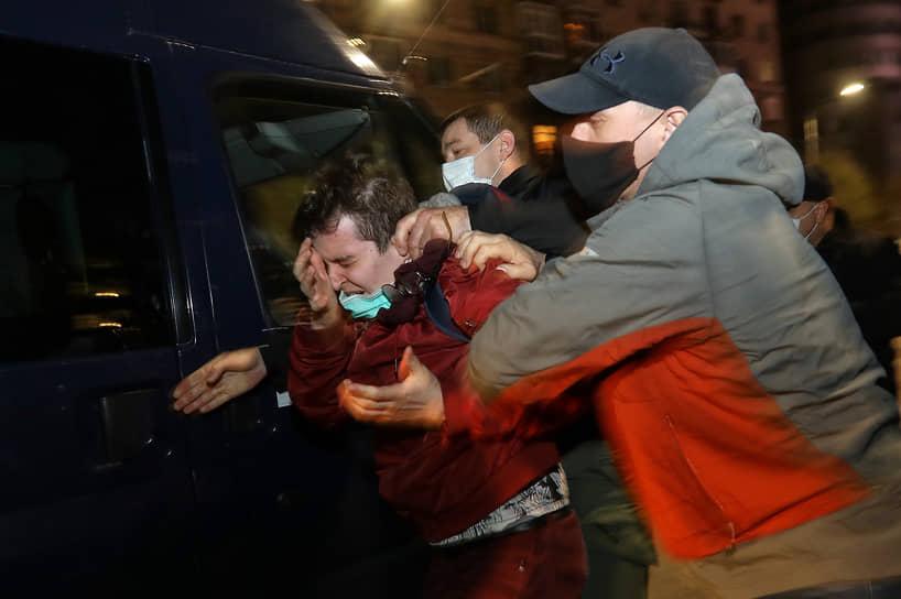 К вечеру в Волгограде начались задержания участников акции