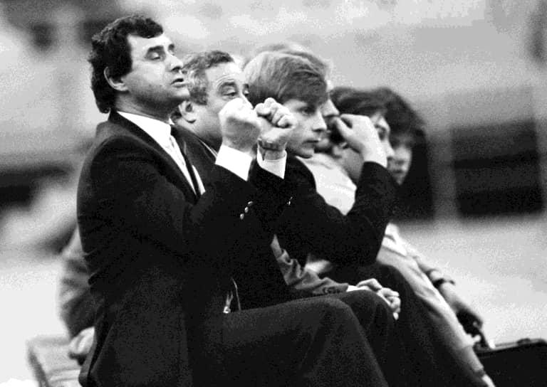 По окончании карьеры игрока стал футбольным тренером. В 1986-1988 годах возглавлял олимпийскую футбольную сборную страны. В 1988 году под руководством Бышовца национальная команда выиграла летние Игры в Сеуле, со счетом 2:1 в дополнительное время финального матча обыграв бразильцев