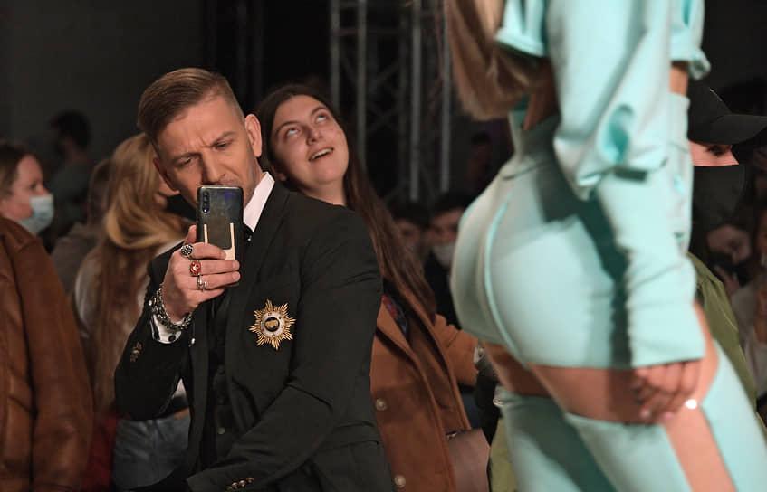 Москва. Показ коллекции бренда PARFENOVICH SISTERS на Mercedes-Benz Fashion Week Russia