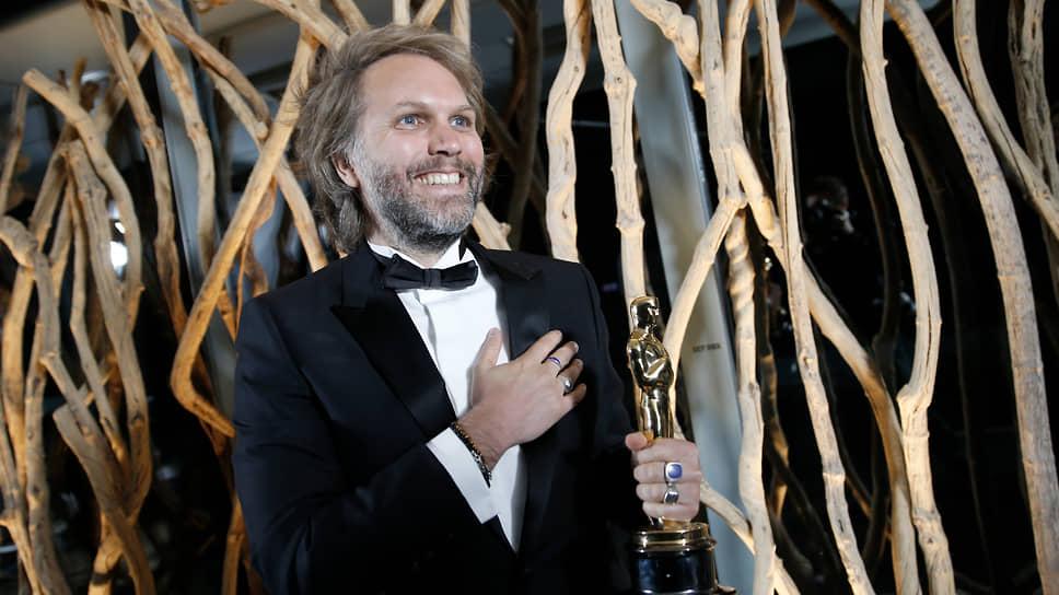 Флориан Зеллер с «Оскаром» за сценарий к фильму «Отец»