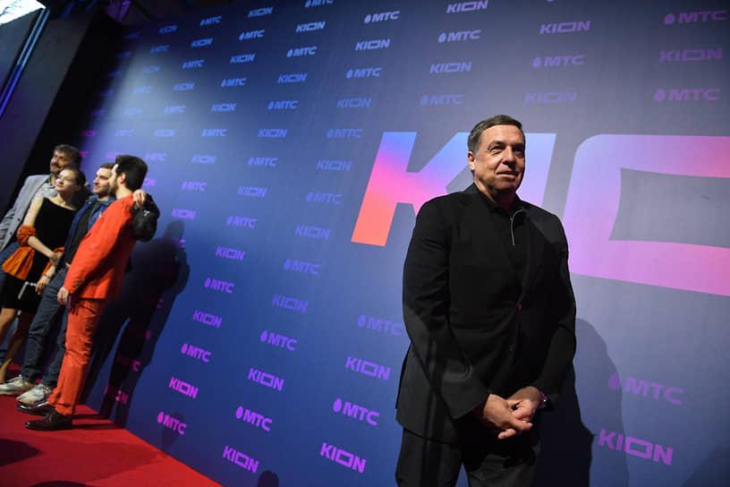Телеведущий, продюсер Александр Любимов (справа) на презентации онлайн-кинотеатра Kion от компании «МТС Медиа»