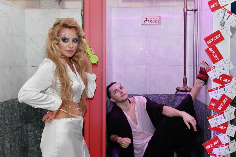 Супруга бизнесмена Олега Шелягова Виктория во время празднования дня рождения благотворительного фонда «Друзья»
