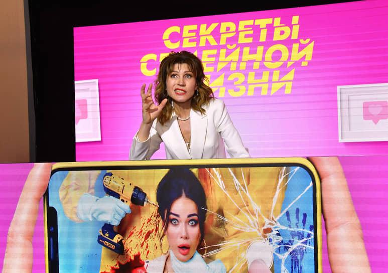 Актриса Светлана Камынина во время церемонии вручения премии «Аванс» журнала «Кинорепортер» на ММКФ