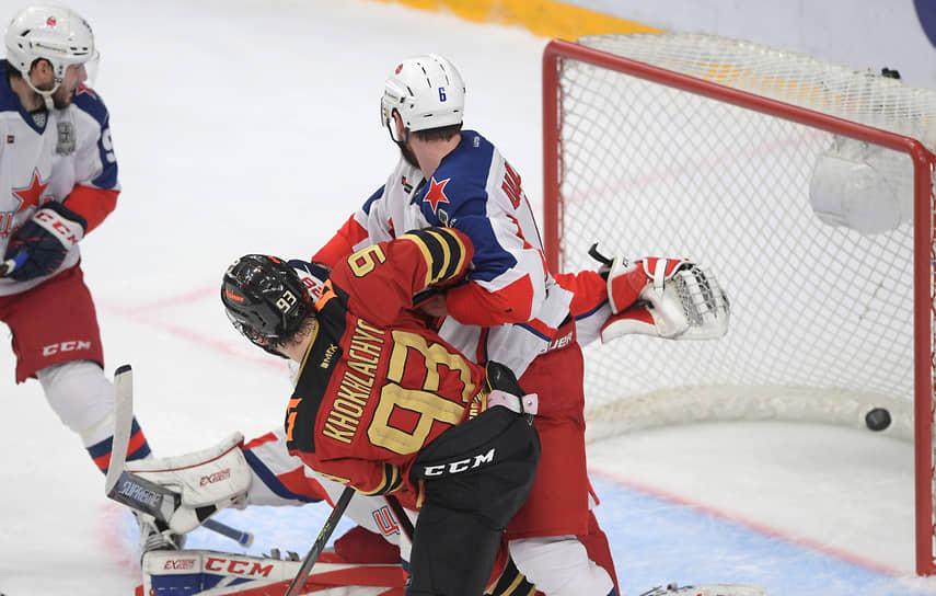 До образования КХЛ «Авангард» в 2004 году выиграл чемпионат России