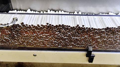 Курильщиков окутал дым  / Табачные компании заявляют о росте доли нелегальных сигарет