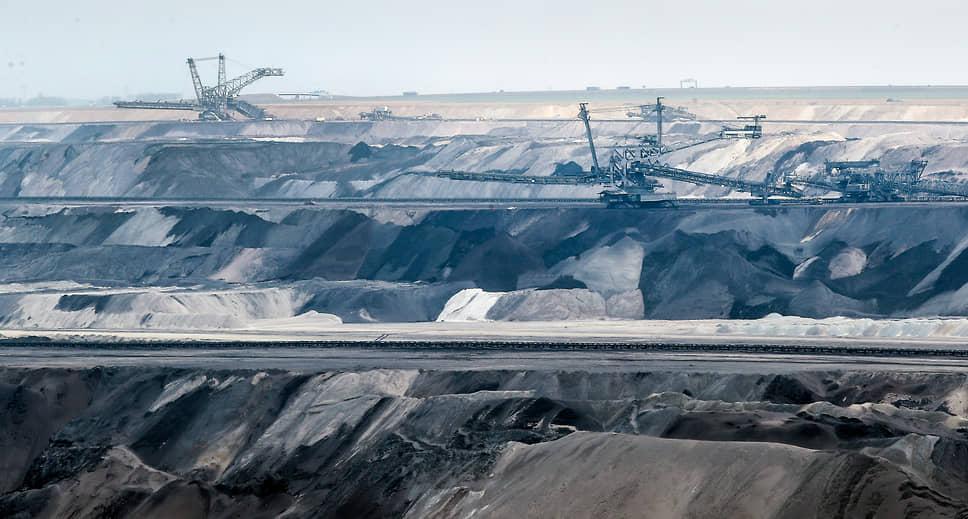 Яккерат, Германия. Добыча угля на шахте