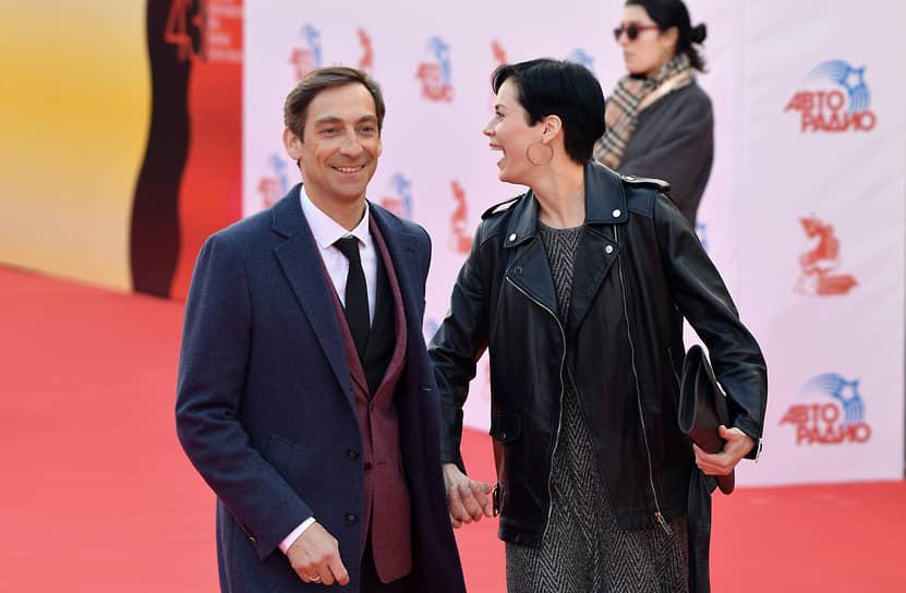 Актер Артем Ткаченко с женой актрисой Екатериной Стеблиной