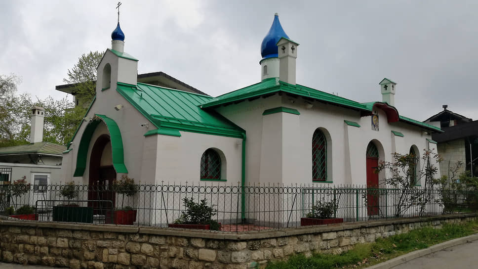 Церковь святой Троицы. Первый русский православный храм в Сербии