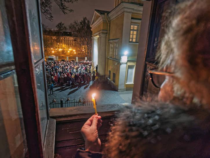Пасхальное богослужение во Владимирском соборе в Санкт-Петербурге