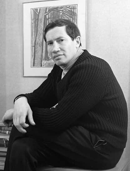 Автор романа «Генерал и его армия» Георгий Владимов, получивший «Русский Букер десятилетия», в 1983 году был вынужден переехать из СССР в ФРГ из-за угрозы судебного процесса по статье о тунеядстве