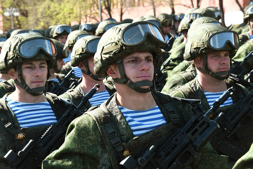 Военнослужащие на репетиции парада
