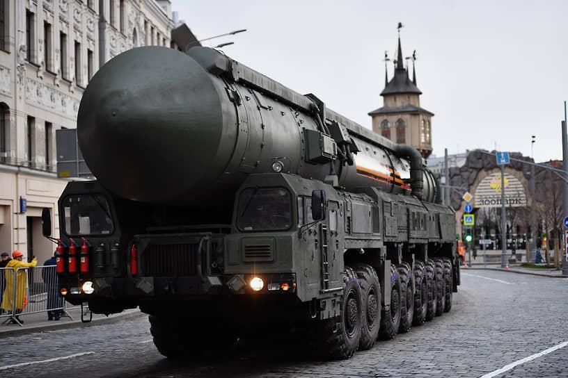 Подвижный грунтовый ракетный комплекс (ПГРК) с межконтинентальной баллистической ракетой РС-24 «Ярс»