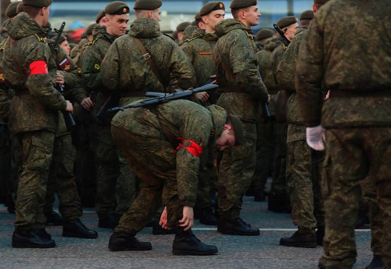 Также участвовали подразделения МЧС, Росгвардии и Пограничных войск ФСБ