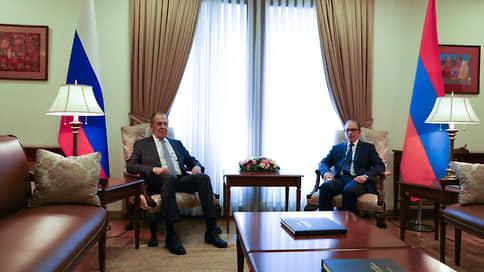 У Еревана не проходит боль в Баку // Нежелание Азербайджана вернуть Армении пленных осложняет жизнь даже Москве