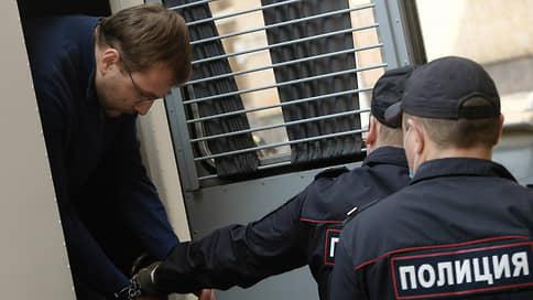 Откатили «куклой» // Стали известны подробности уголовного преследования Леонида Костромы